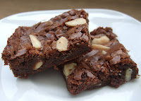 Resultado de imagem para brownies de amendoa