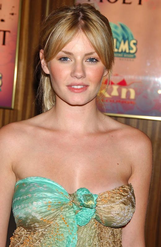 Elisha Cuthbert Latest Photos: Global Buzz Times: Elisha Cuthbert Bra Size And