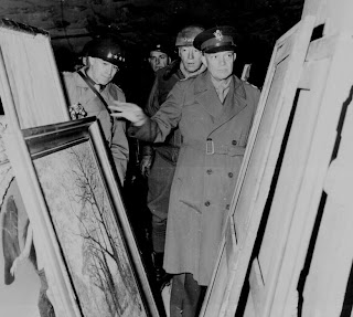 eisenhower-inspect-stolen-art-nazi-world-war-two-II