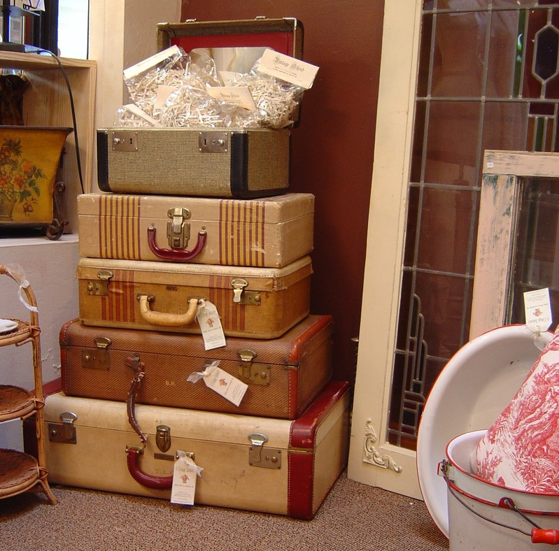 How Do I Love Thee I Heart Vintage Suitcases