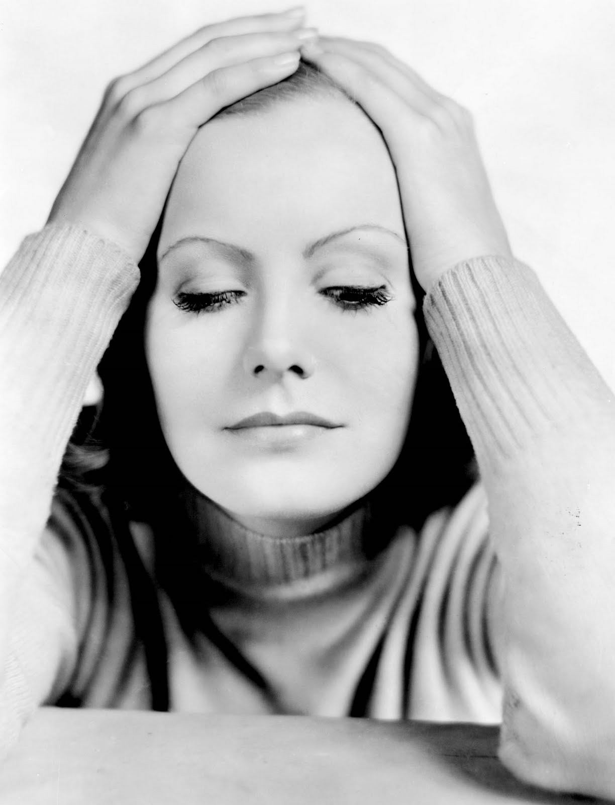 A mythical monkey writes about the movies best actress of for Garbo arredamenti