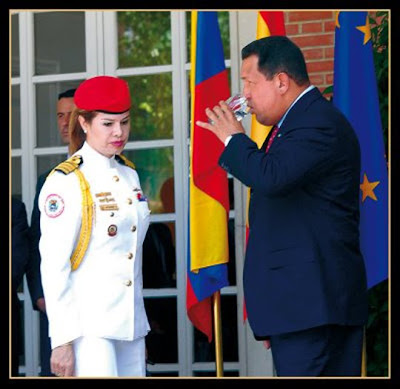 Resultado de imagen para hugo chavez elsa gutierrez