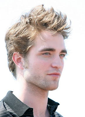 https://i2.wp.com/3.bp.blogspot.com/_c2eHHmBm_pY/SiL7mnrgEZI/AAAAAAAADeY/GwuQZ6W5XN0/s400/Robert_Pattinson_Cannes.jpg