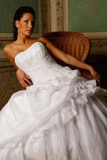 2b11a3b653af Ingyen Minden Itten  Shalia Sposa Menyasszonyi ruha katalógus 2010