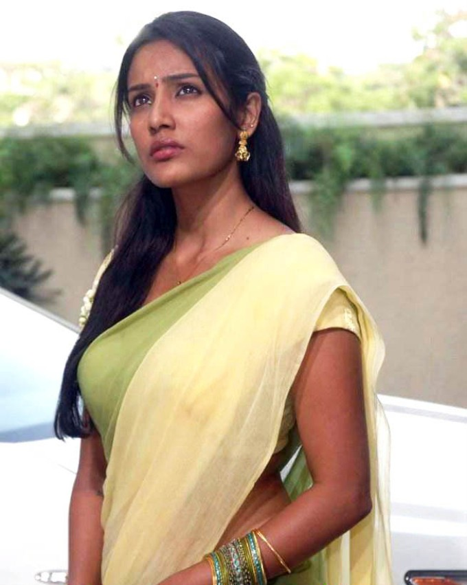 Priya Anand Fake Naked
