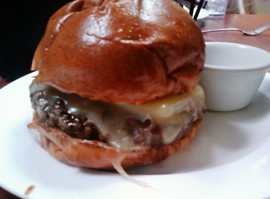 Honest and Accurate Burger Reviews by TheBurgerBusters: Burger Kitchen -- Los Angeles. CA