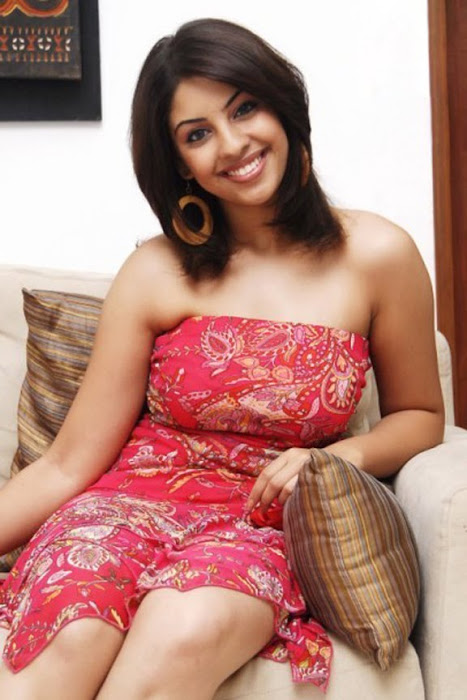 richa gangopadhyay from recent cute stills