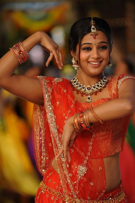 priyamani in saree from pravarakhyudu unseen pics