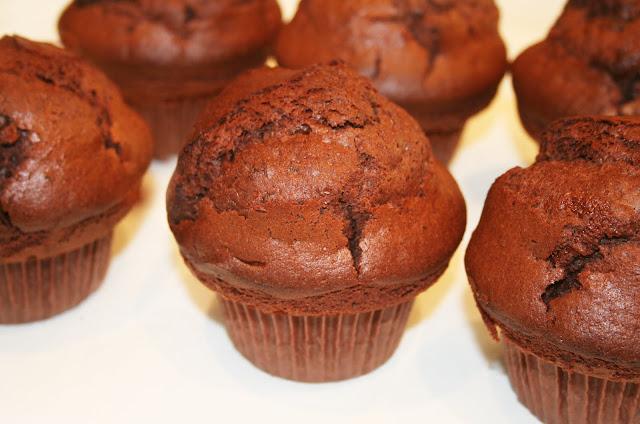 la cuisine de bernard muffins atomiques au chocolat. Black Bedroom Furniture Sets. Home Design Ideas