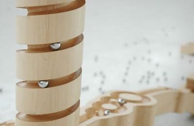 Masa lemn si metal