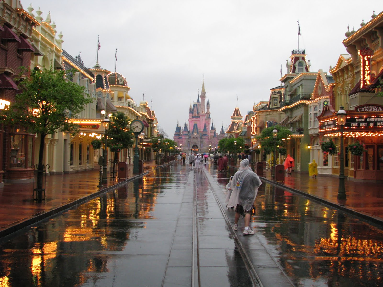 A Rainy Day At Disney World Means A Great Day To Visit The