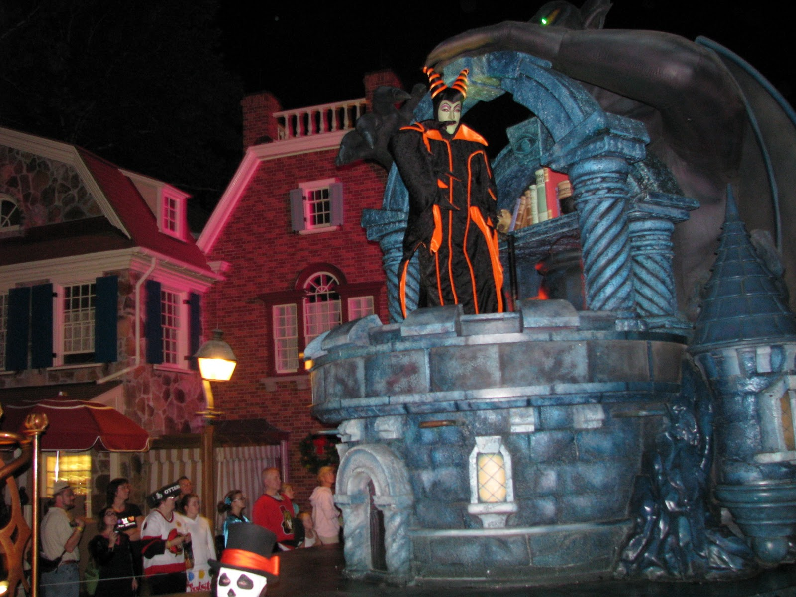 Disney World Halloween Tradition Mickey S Quot Boo To You