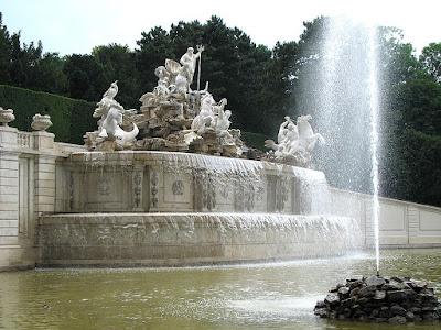 Imagini pentru Fântâni în Viena