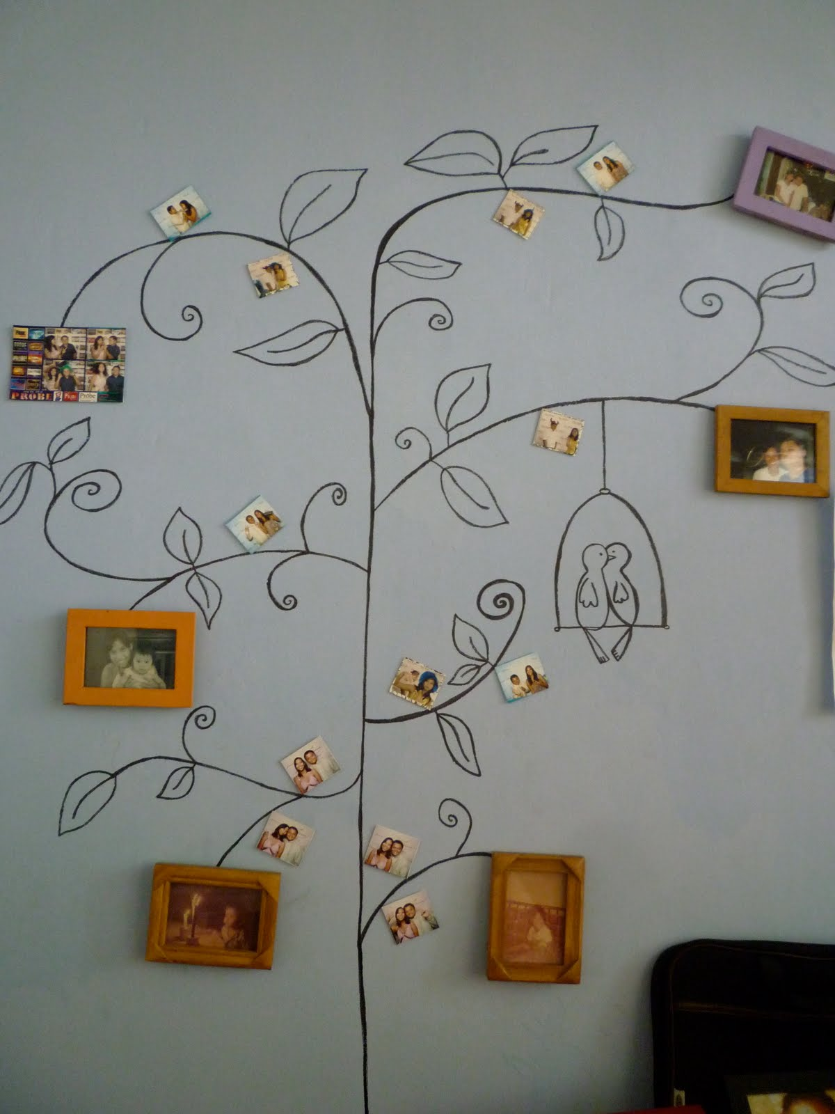 Bedroom Drawing: The Adventures Of Agay And Spanky: Drawing On Our Bedroom Wall