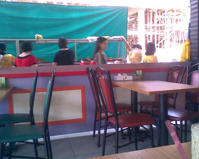 Rumah Makan Ayam Goreng Remaja di Pontianak
