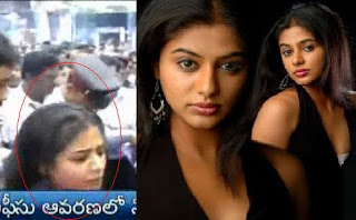 Shocking Experience for Priyamani in CMR Mall ?