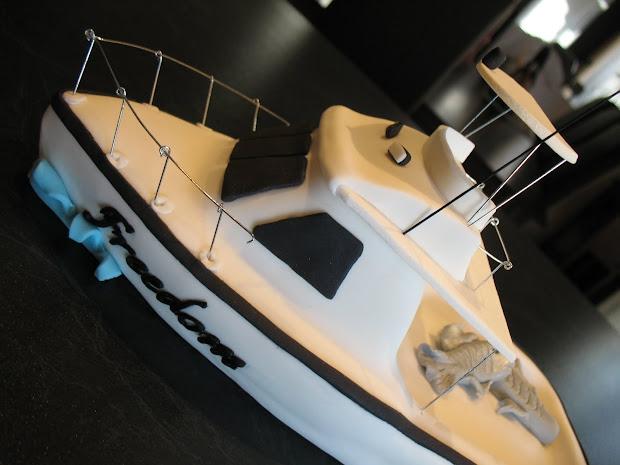 Sandy' Cakes Boat Cake Topper