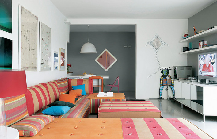 livingroom 8 design ideas in gray interior decorating home design sweet home. Black Bedroom Furniture Sets. Home Design Ideas