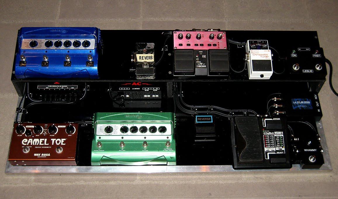 Tom Petty Gear : mike campbell pedalboard of tom petty the heartbrakers gearheads ~ Russianpoet.info Haus und Dekorationen