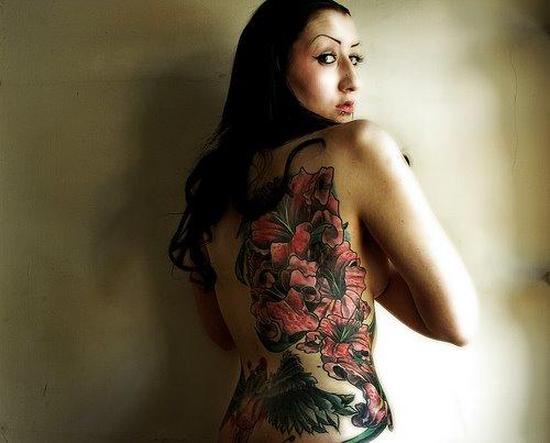 Gambar Tatto Keren di Bagian Tubuh Cewek - 6