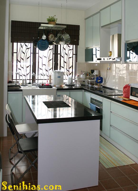 Cuci Mata Kitchen Cabinet