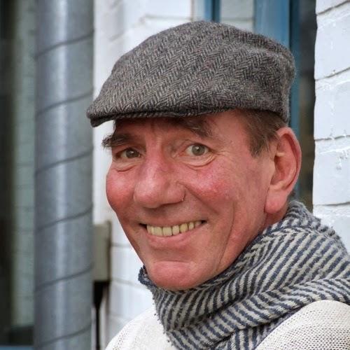 l 39 acteur anglais pete postlethwaite est mort l 39 ge de 64 ans blogparfait. Black Bedroom Furniture Sets. Home Design Ideas