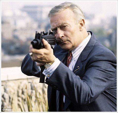 COOL SHIT IN THE CROSSHAIRS: EDWARD WOODWARD PASSES AWAY