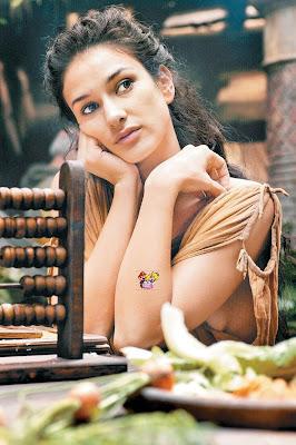Bollywood actress tanushree dutta erotic nude scene - 3 10