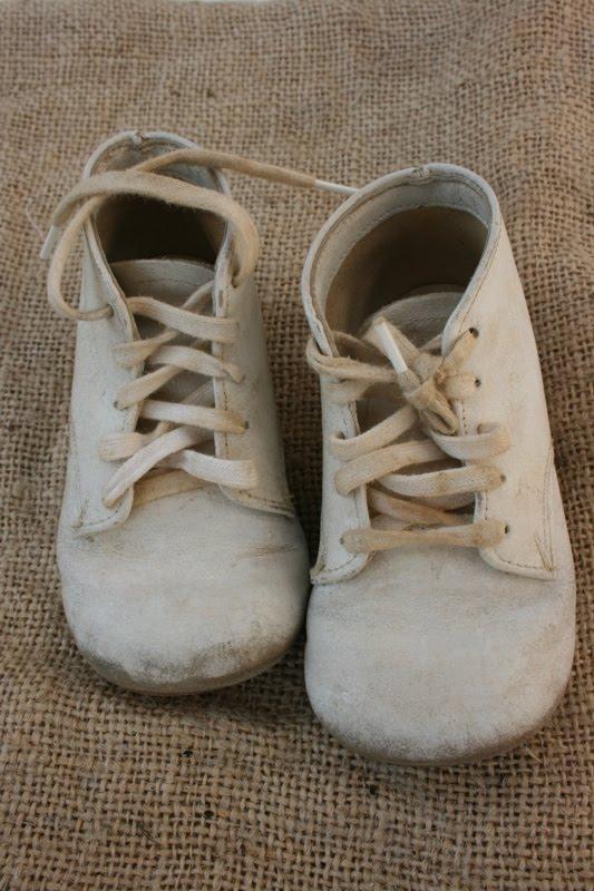 Dumpster Decorators: Vintage Wooden Shoe Forms, Ballet