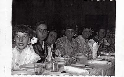 FOTOS ANTIGUAS DE IBI: COROS Y DANZAS 1960 Aprox.
