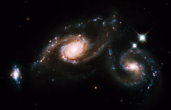 Foot Prints: New Discoveries by the Hubble Telescope