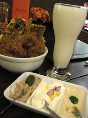 Kebab+Salonu Entrada+e+Lassi bx - Kebab Salonu - muito mais do que o Salão do Kebab