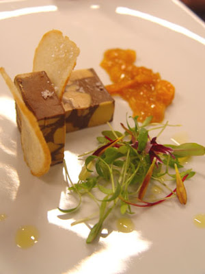Terrine+de+chocolate+com+terrine+de+foie+de+pato bx - Chocolate - Aula com o chef Frédéric Bau da Valrhona