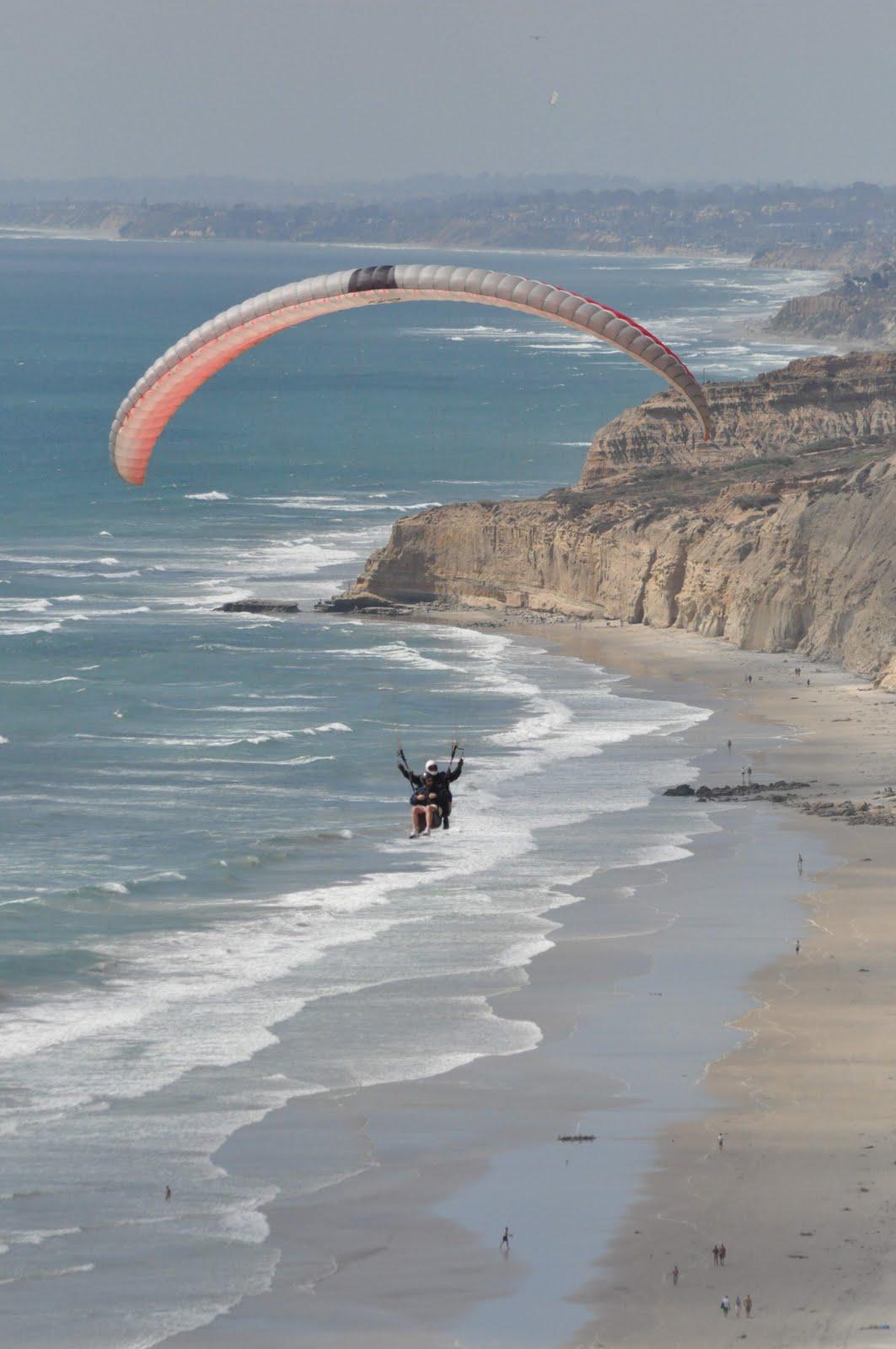 Calafia Beach Pundit: Paragliding in Torrey Pines