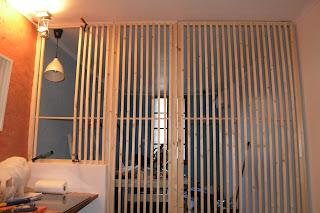 le chantier de la poudri re la cloison claire voie. Black Bedroom Furniture Sets. Home Design Ideas