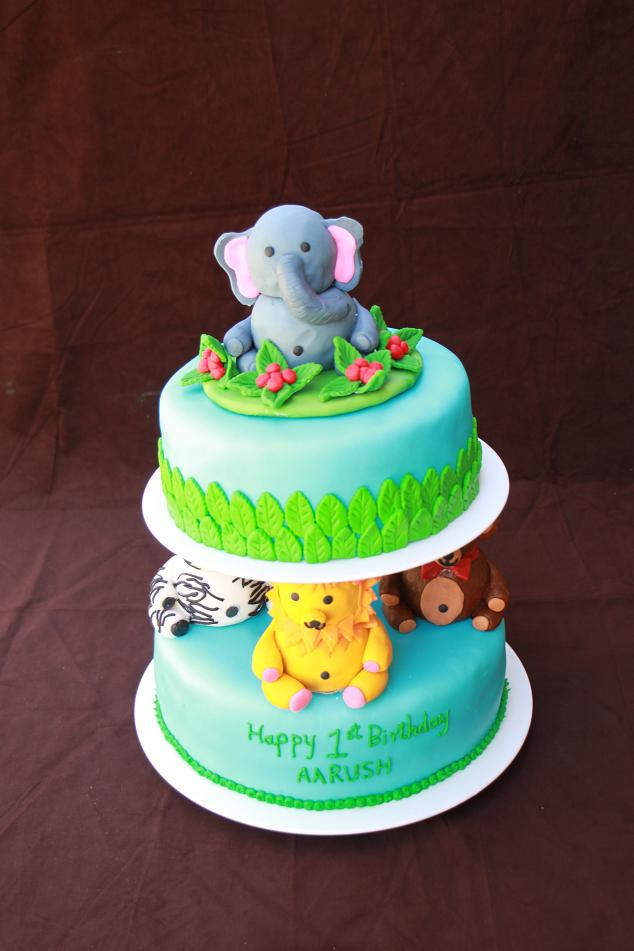 DHANYA'S DELIGHTS: Animal Themed Cake