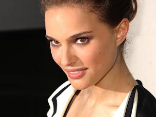 Actress Natalie Portman - Candidatas para Alien Prequel