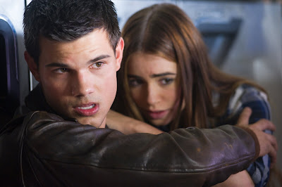 Abduction Taylor Lautner Lilly Collins movie image - Fotos y sinopsis de Abduction