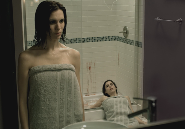 The Girl Who Loves Horror: Movie Review: Mirrors 2 (2010)
