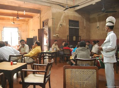 Impressions and Flavors of Coffee House in Calcutta
