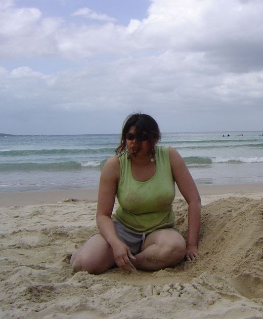 Indian Beach: ASIAN GIRLS: CUTE HOT DESI INDIAN ON BEACH PLAYING ON