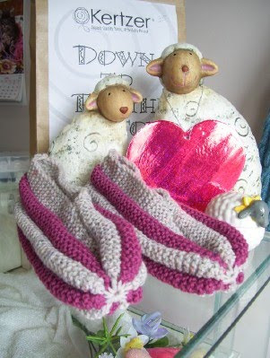 FREE KNITTING PATTERNS FOR PHENTEX SLIPPERS - VERY SIMPLE