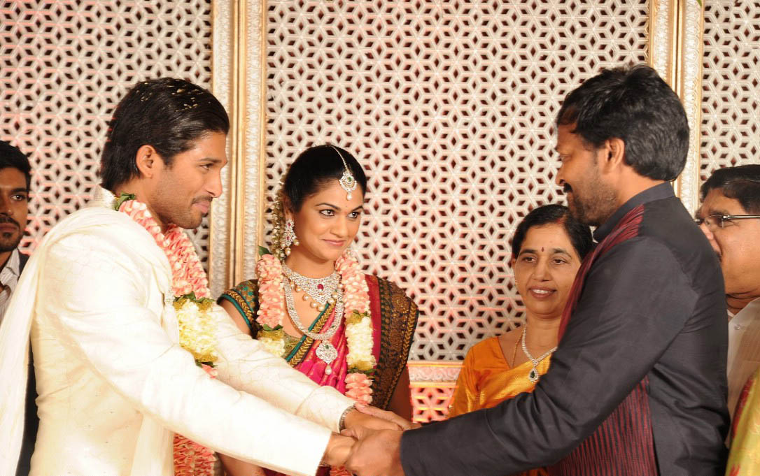 Mohan Name 3d Wallpapers Allu Arjun Engagement Photosmp3 Songs For Free Download