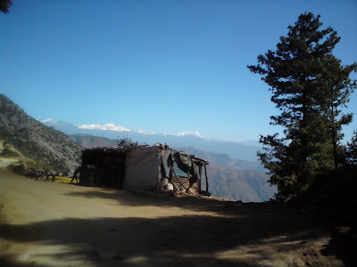 The highway shack where we had tea at Kemundakhal - Enroute to Badrinath