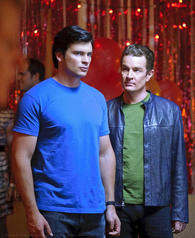 Smallville Season 11 Vol 1 17 | DC Database | FANDOM ...  |Smallville