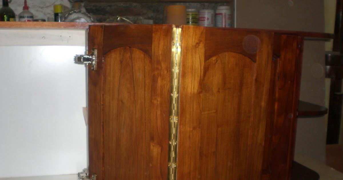 Carpintera Alberto Mueble de Cocina en Anchico Cedro barnizado con Cetol Satinado Caoba
