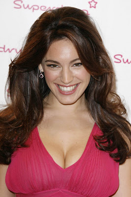 Kelly Brook Sexy and spice photos