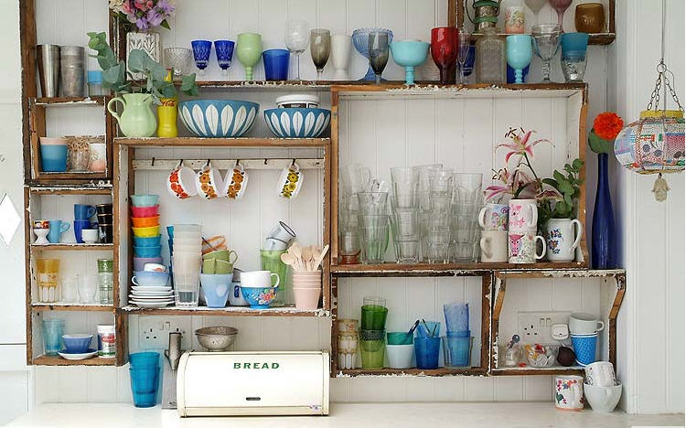 The Estate of Things chooses Exposed Shelves
