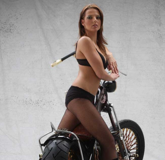 I Am A Simple Girl Wallpaper Black Motorcycle Modification Girl Copper Motorcycle
