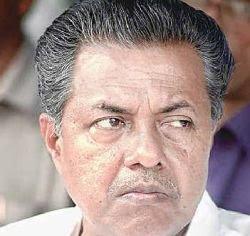 Roshyz world: Pinarayi vijayan - goone leader